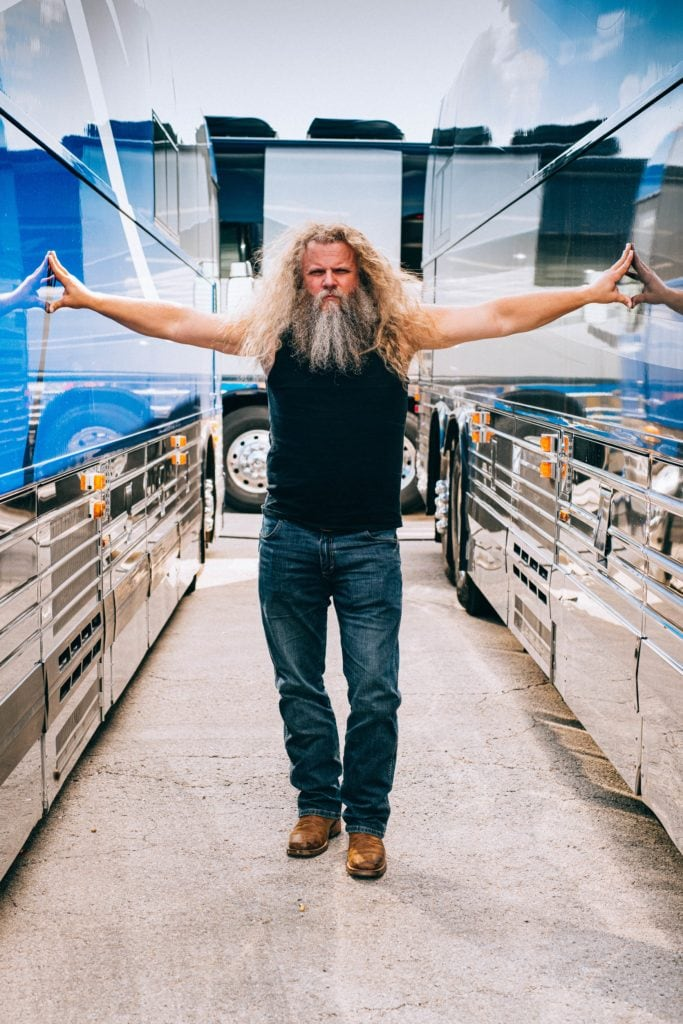 07.04 Jamey Johnson By Charles Reagan Hackleman Willie 4th of July CRH 1752 1 min